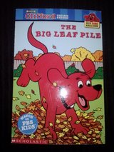 Clifford The Big Red Dog: The Big Leaf Pile book in Camp Lejeune, North Carolina